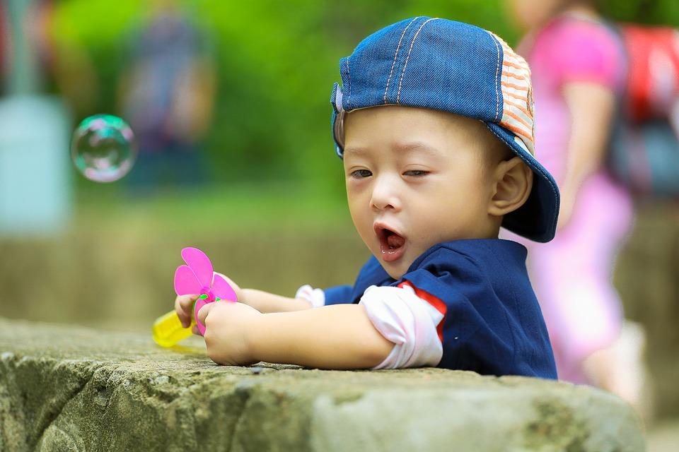 Billigt og kvalitetsrigt børnetøj  gennem et kæmpe Molo Udsalg