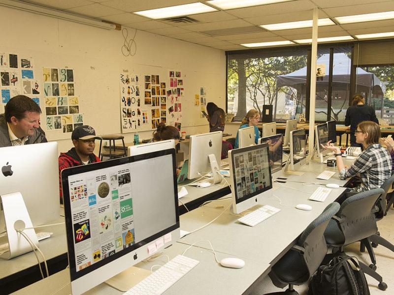 Hvorfor vælger et kursus i InDesign fremfor at sidde derhjemme?